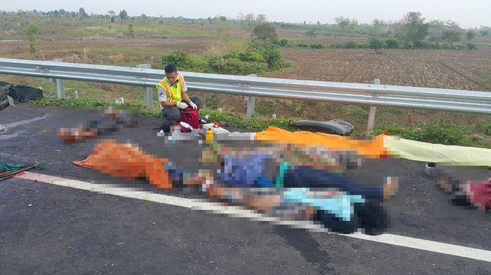 Ini Kronologis Kecelakaan Maut Tol Cipali yang Menewaskan 11 Penumpang