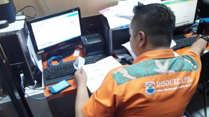 Jelang Pilgub Jabar, Disdukcapil Kota Cimahi Percepat Perekaman KTP-el