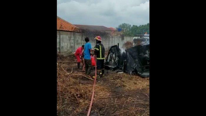 Lahan Kosong di Area RSUD Indramayu Terbakar, Warga Sempat Geger karena Asap Hitam Pekat