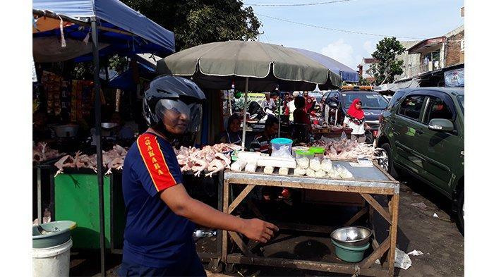 Pedagang di Pasar Sumber Berharap Pemerintah Daerah Dapat Tertibkan PKL di Jalan Dewi Sartika