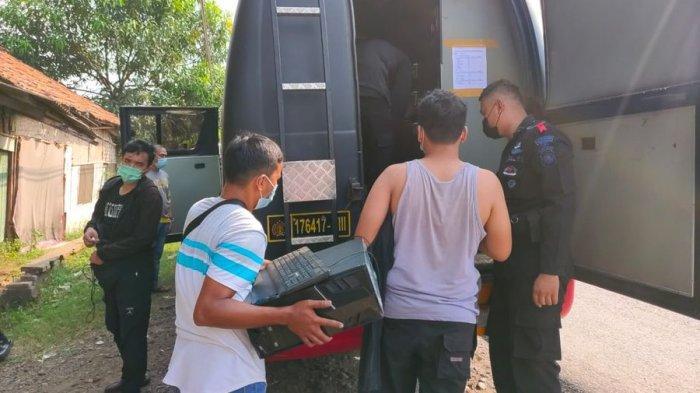 Ini Barang Bukti Diamankan Polisi Saat Penangkapan Terduga Teroris di Subang