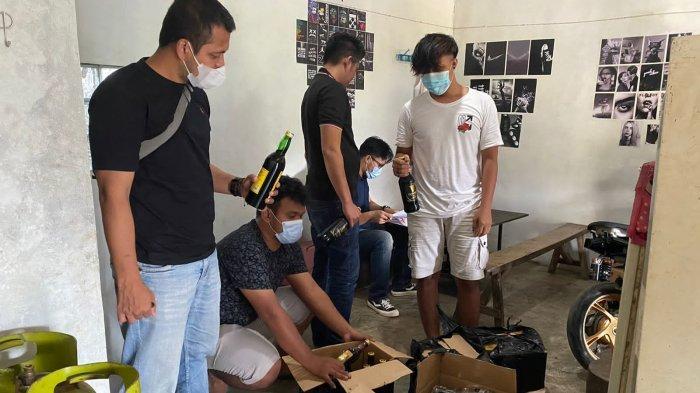 Lakukan Razia di Akhir Pekan, Polres Majalengka Sita Ratusan Botol Miras Ilegal