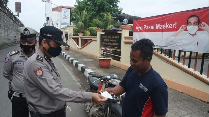 Puluhan Warga Terjaring Operasi, Ditegur dan Diberi Masker di Pamanukan Wilayah Hukum Polres Subang