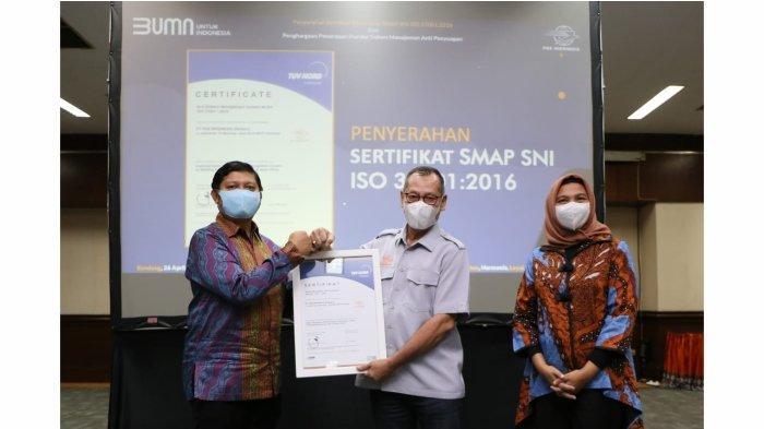 Pos Indonesia Raih Sertifikat SMAP dan Penghargaan Penerapan Standar Sistem Manajemen Anti Penyuapan