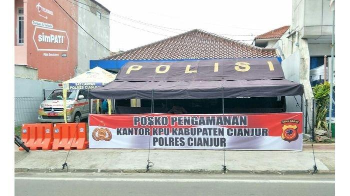 Pendaftaran Calon Dimulai, Polisi dan TNI Jaga Ketat Kantor KPU Cianjur