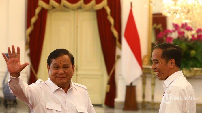 2 Kali Jadi Musuh Bebuyutan di Pilpres, Prabowo Pakai Baju Putih ke Istana Negara Bertemu Jokowi