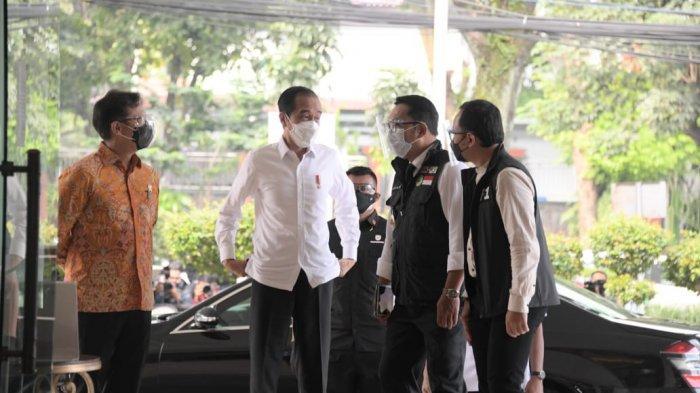 Presiden Jokowi Dukung Jabar Gunakan Gedung Besar untuk Percepat Vaksinasi