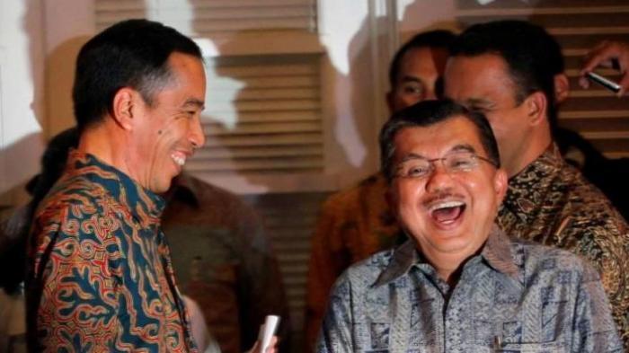 Momen Langka Nih, Jokowi 'Wawancara' Jusuf Kalla Tanya-tanya Soal Lebaran, Keduanya Terlihat Akrab
