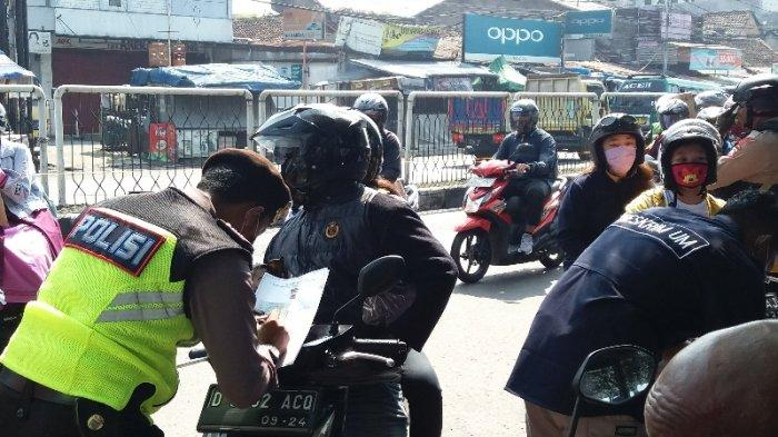 Psbb Bandung Raya Hari Pertama Ini Pelanggaran Yang Banyak Ditemukan Petugas Di Cek Poin Cicaheum Tribun Jabar