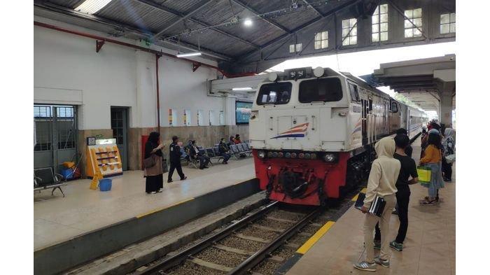 Mulai Hari Ini Kereta Api Jarak Jauh Sudah Ada yang Beroperasi di Bandung, Berangkat dari Kircon