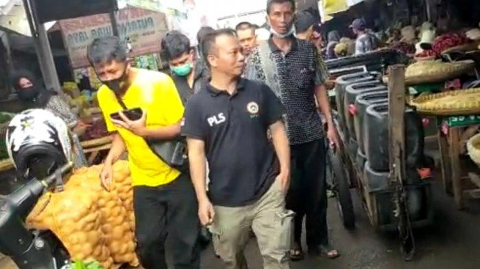 Himpunan Pengrajin Tahu Tempe Sweeping Pasar Cikurubuk Kota Tasik, Pantau Aksi Mogok Produksi