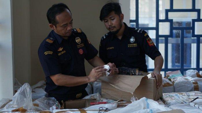 Puluhan Alat Esek-esek Disita KPPBC TMP C Cirebon dari Kiriman Pos