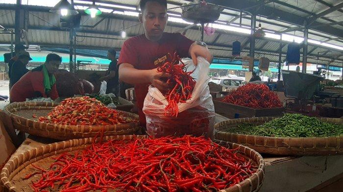 Di Petani Sudah Turun, Harga Cabai di Pasar Ciamis Justru Naik Hingga 200 Persen