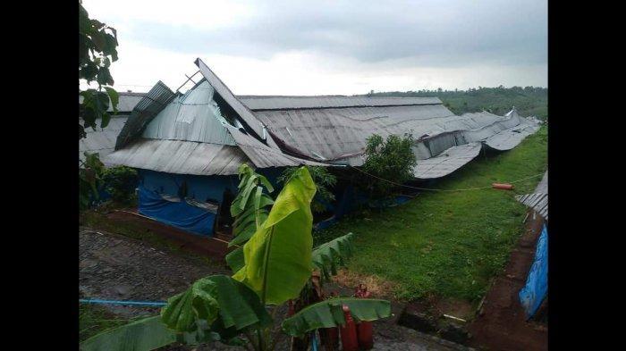 Angin Puting Beliung Hantam Cikidang Sukabumi, Warga: Atap Rumah dan Parabola Terbang