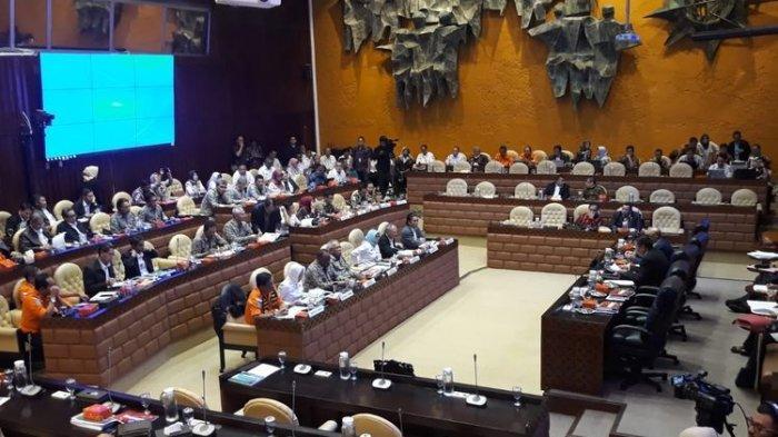 Ridwan Kamil, Anies Baswedan, dan Wahidin Tak Penuhi Undangan, DPR RI Tunda Rapat Penanganan Banjir