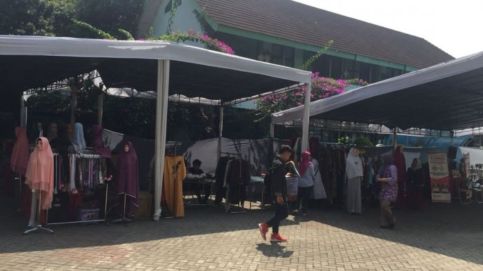 Ramadhan Fair di SMPN 2 Bandung, Panitia dan Pejualnya Orang Tua Siswa