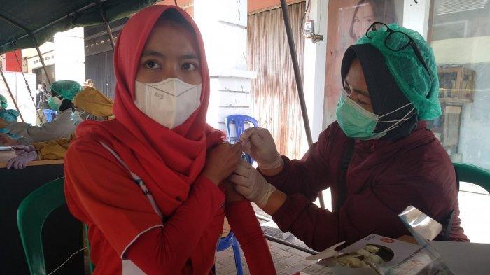 Rentan Terpapar Virus Corona, Ratusan Petugas SPBU di Garut Jalani Vaksinasi