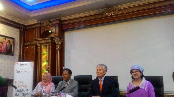 Unikom Resmi Dapatkan Izin Kelola King Sejong Institute di Bandung