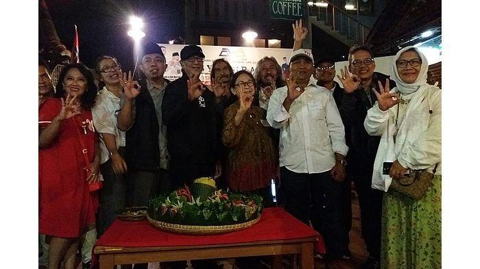 Syukuran Pemilu 2019 Berlangsung Damai, Relawan GWJ Jabar Potong Tumpeng dan Doa Bersama