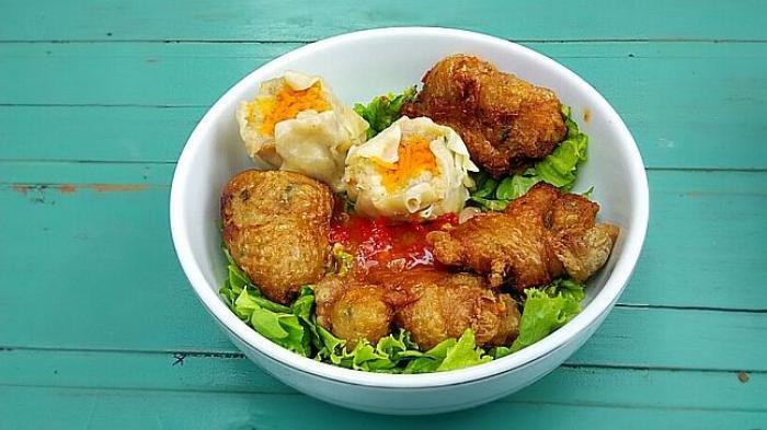 Resep dan Cara Membuat Kulit Ayam Krispi Saus Balado