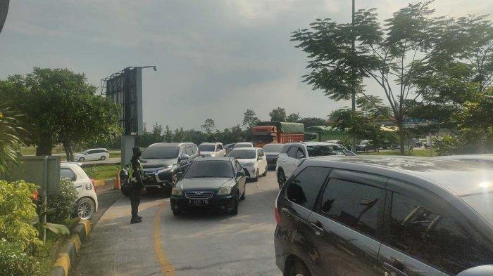 Libur Hari Paskah 2021, Rest Area KM 166 Tol Cipali Dipadati Kendaraan Jakarta
