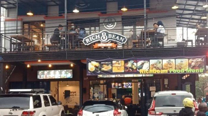 Ingin Nongkrong di Kafe Sembari Karaoke dengan Suasana Nyaman? Richbean Coffee Layak Dipilih