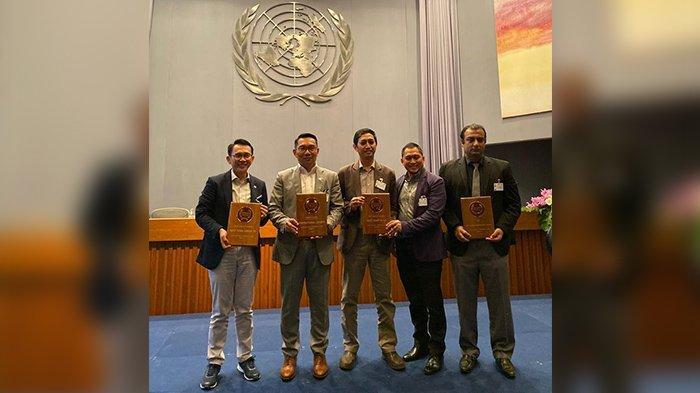 Ridwan Kamil Raih Penghargaan Inspirational Leader Asia Pasifik di GovInsider Innovation Awards 2019