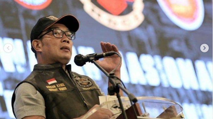 Ridwan Kamil mengumumkan Uu Ruzhanul Ulum positif Covid-19.