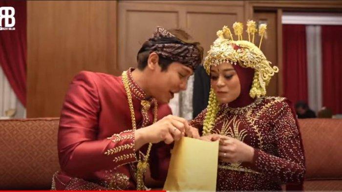 Rizky Billar Dapat Amplop Tebal dari Doni Salmanan, Lesti pun Tertawa Lihat Isinya, Rezeki Nomplok?