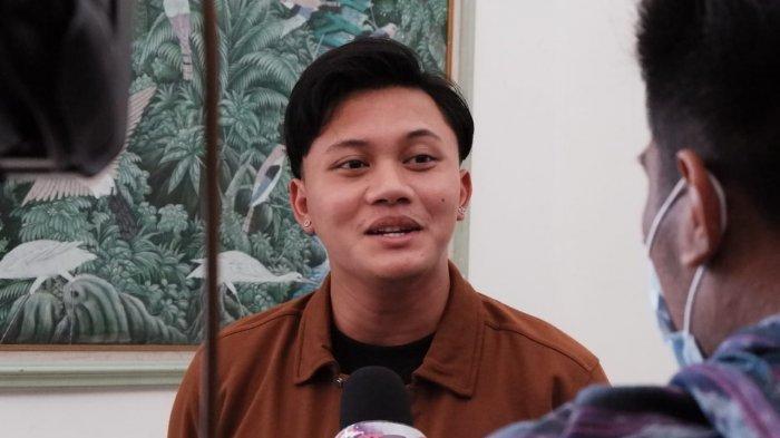 Rizky Febian saat diwawancara wartawan di Bandung, Sabtu (19/12/2020).
