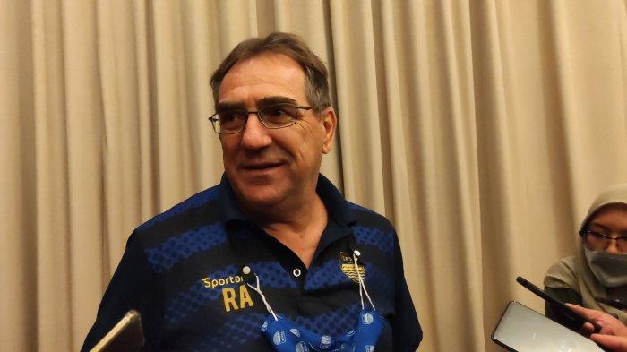 PPKM Darurat Diperpanjang, Pelatih Persib Robert Alberts; Tidak Banyak yang Bisa Kami Lakukan