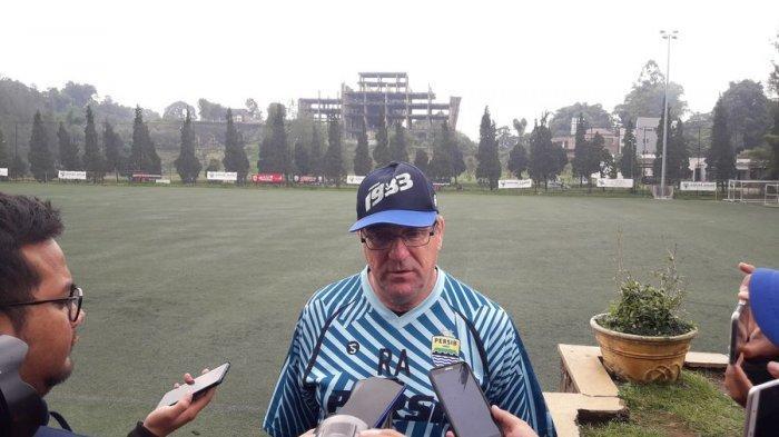 Jelang Piala Menpora 2021, Persib Bandung Krisis Striker, Robert Alberts Sudah Punya Penyerang Baru