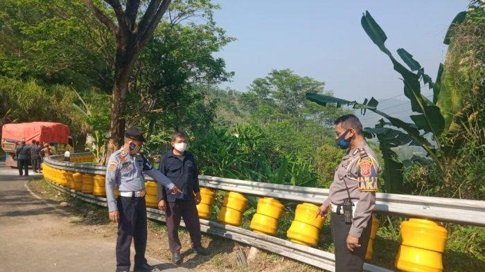 Roller Barrier Ridwan Kamil di Cikidang Sukabumi, Mampu Minimalkan Kecelakaan Saat Ditabrak Truk