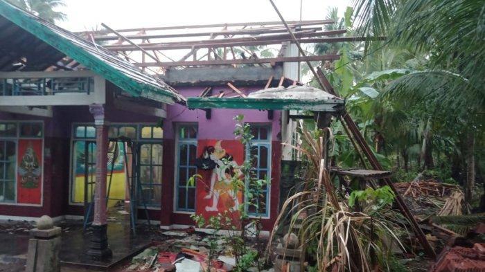 Mencekam, Suara Angin Bergemuruh Seperti Pesawat Tempur, Angin Kencang Landa Ciamis, 50 Rumah Rusak