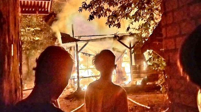 Akibat Obat Nyamuk Terkena Kasur, Api Membakar Seisi Rumah Wati di Purwakarta dan Ludes Tak Bersisa