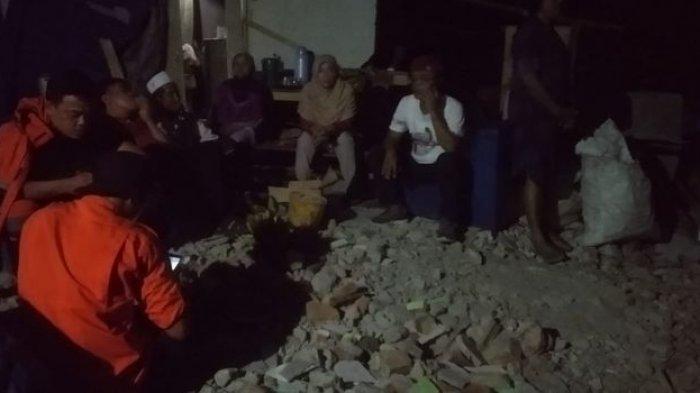 2 Rumah di Kampung Linggaresmi Ambruk Akibat Guncangan Gempa Bumi Sore Tadi, 5 Lainnya Terancam
