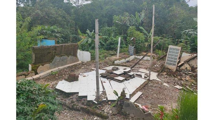 Tanah Ambles di Desa Ujungberung Majalengka Pernah Terjadi 2 Tahun Lalu