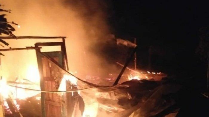 Enam rumah di Kampung Hargem, Desa Nyalindung, Kecamatan Cugenang, Kabupaten Cianjur, terbakar Minggu (4/4/2021) sekitar pukul 22.00 WIB.