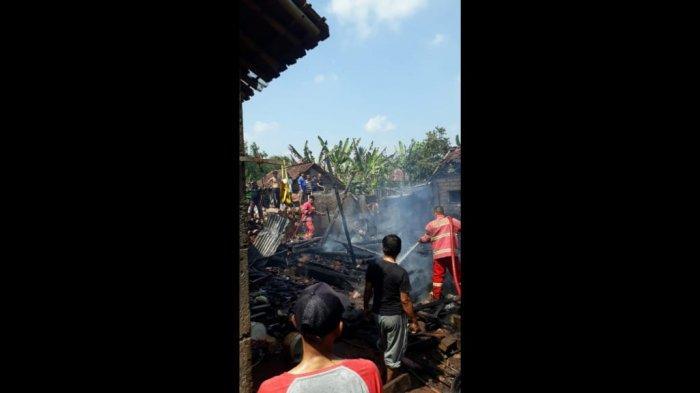 Ditinggal Pergi saat Memasak, Sebuah Rumah Terbakar di Cianjur