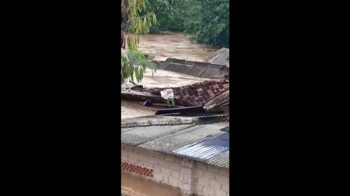Beredar Video Rumah Warga di Indramayu Terseret  Arus Banjir, Air Makin Tinggi, Sampai 3 Meter