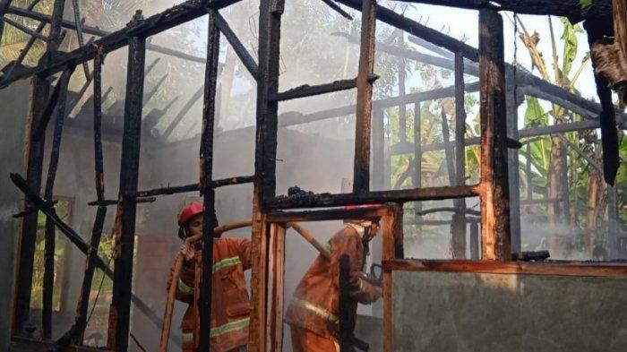 Ditinggal Salat Idul Adha, Rumah Tukang Cilok di Banjarsari Ciamis Ludes Terbakar