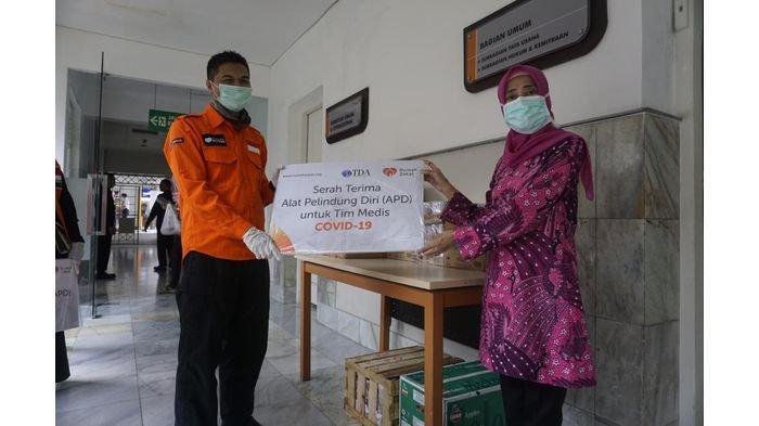 Rumah Zakat Salurkan Bantuan APD bagi Tenaga Medis di 3 Rumah Sakit dan 1 Puskesmas