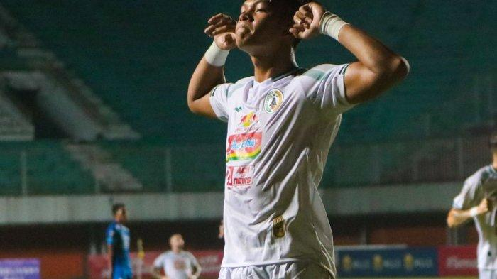 Persib Bandung Ketinggalan 0-1 lawan PSS Sleman, Gol Saddam Gafar