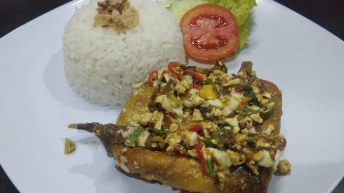 sajian malon - salted egg quail