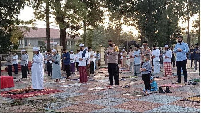 Cara Salat Idul Adha Berjemaah atau Sendiri di Rumah dan Ketentuannya, Juga Contoh Khotbah