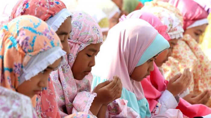 BACAAN DOA UNTUK ORANG MENINGGAL Laki-laki dan Perempuan, Doa Terbaik untuk Ibu Jokowi, Sujiatmi