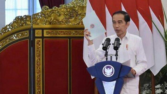 Dikutip dalam sambutan virtual Presiden pada acara pembagian sertifikat di Istana Negara Selasa (5/1/2021), Presiden Jokowi menargetkan penyertifikatan tanah selesai pada tahun 2025.