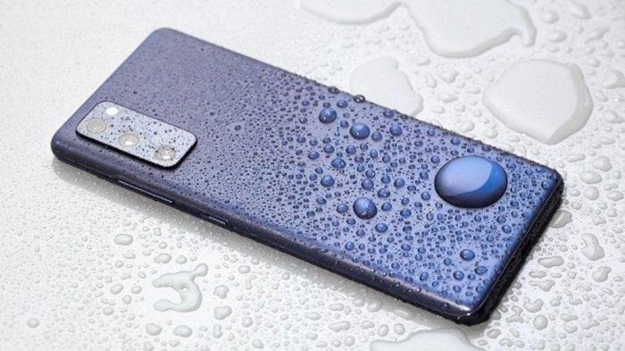 Samsung Galaxy S20 FE, tahan air dan debu dengan sertifikat IP68.