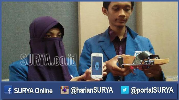 Kereen. . Mahasiswa ITS Surabaya Ini Ciptakan Sandal Khusus Tuna Netra