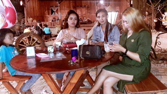 Saat Dara Cantik Nikmati Kuliner Tradisional di Kafe Bernuansa Hutan di Pusat Kota Purwakarta - santai-di-leuweung-seni.jpg